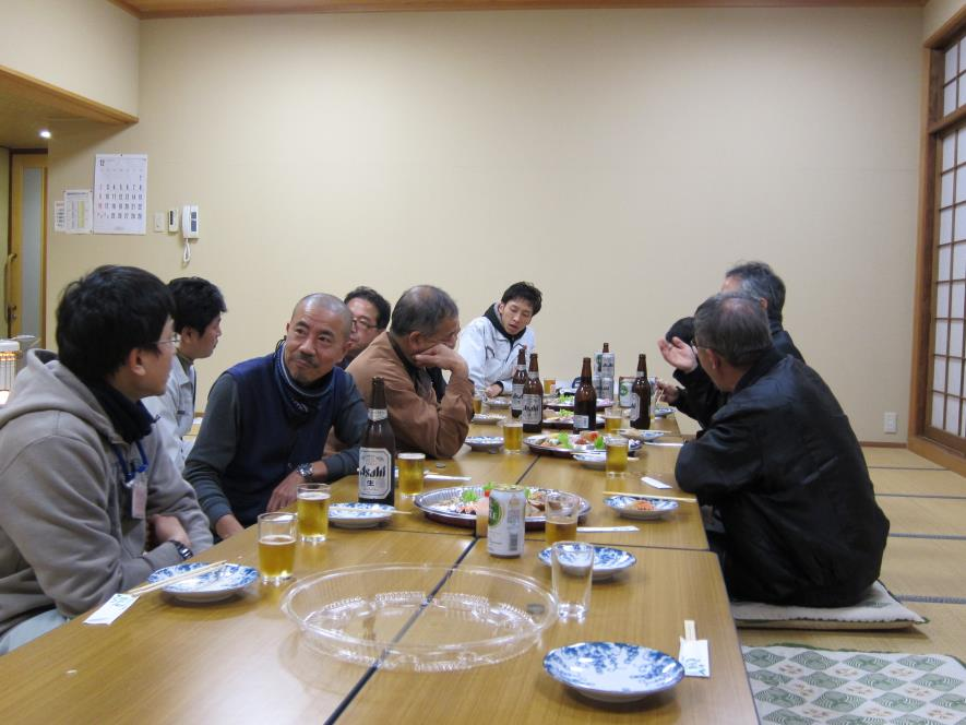 懇親会の様子.jpg